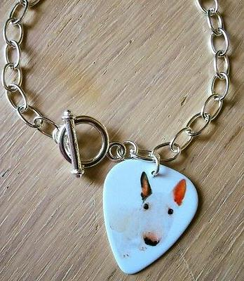English Pick Bullie Necklace,
