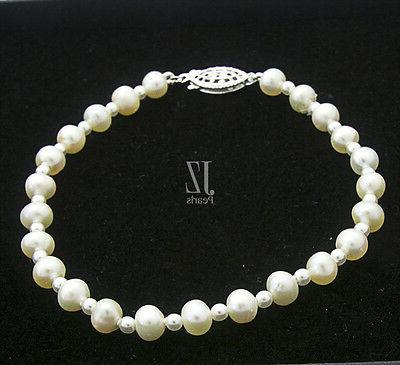 Freshwater with pearl beads in